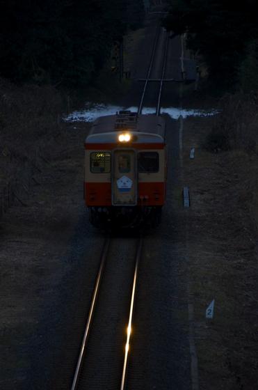 キハ205の灯.jpg