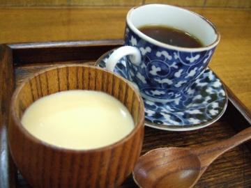 豆乳プリンとコーヒー.jpg