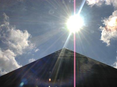 LUXOR1-000222(Pyramid&Sun).jpg
