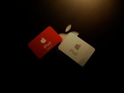 Red iPod shuffle & Silver.jpg